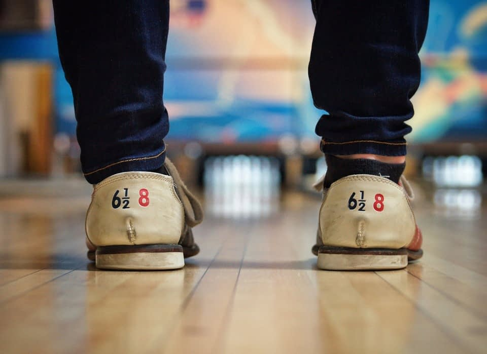 bowling shows and alley